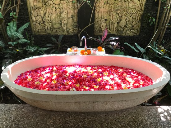 Flower bath after the massage - Picture of Karsa Spa, Ubud ...
