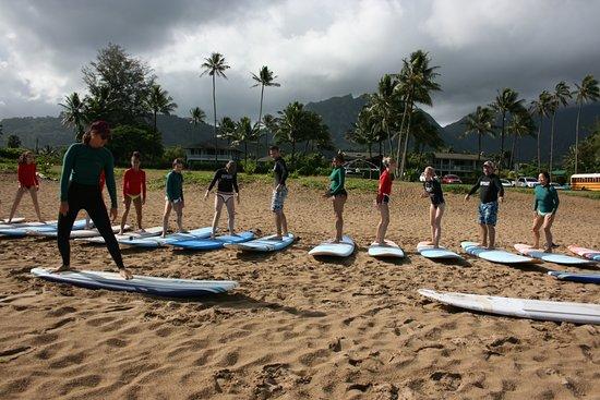 Hawaiian Surfing Adventures: Pre surf beach lesson