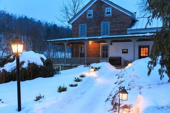 Fogelsville, PA: Glasbern Rooms Farmhouse