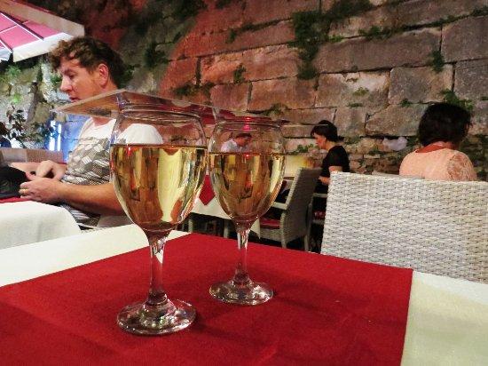 Splitska, โครเอเชีย: ワイン