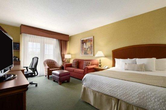 Hotel Greensboro Nc Hot Tub In Room