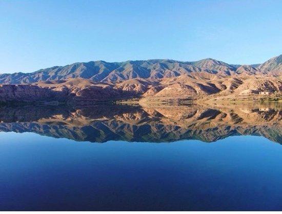 Kaji-Say, جمهورية قرغيزستان: Теплое озеро