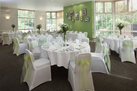 Holiday Inn Basingstoke Restaurant Wedding Breakfast For Up To 60 Guests