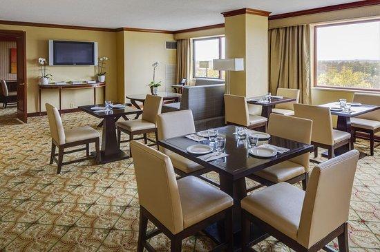Short Hills, Нью-Джерси: Executive Lounge Seating Area