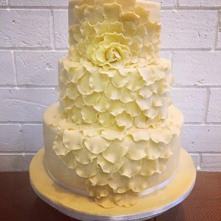 Phuket Wedding Cake 3 Tiers Flavours Handmade Rose Flower Petals