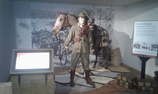 Toowoomba, Australien: Part of the Museum's displays Highlight the war years.