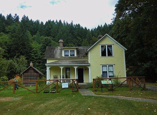 Mary Olson farmhouse, c. 2013, photo by K.J. Lommen