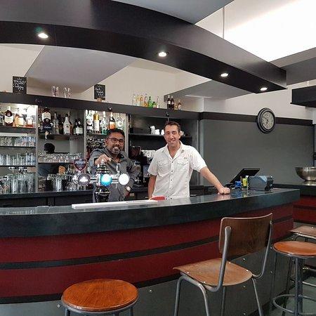 Saint-Egreve, Γαλλία: Les patrons de la Brasserie Dauphinoise Adi et Aymeric
