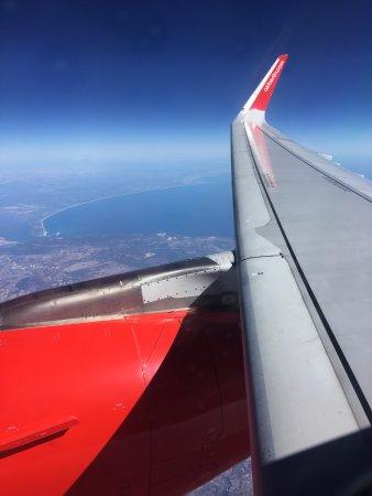 Niki [no longer operating]: Crossing over Spain