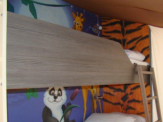Kinder slaapkamer - Bild von Centro Vacanze Isuledda, Cannigione ...