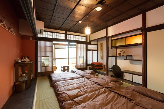 Guest House Hachi: Japanese Room with Balcony & Japanese Room with Balcony - Picture of Guest House Hachi Kyoto ...
