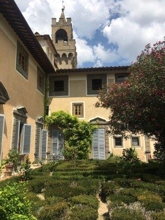 Castello di Montegufoni : Una estadía diferente en un lugar sin comparación