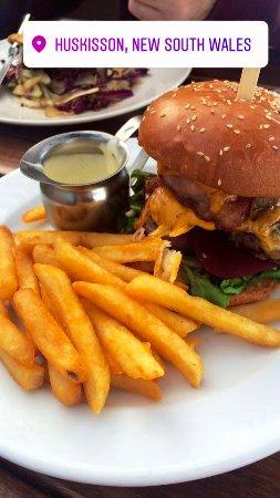 Huskisson, ออสเตรเลีย: Aussie burger