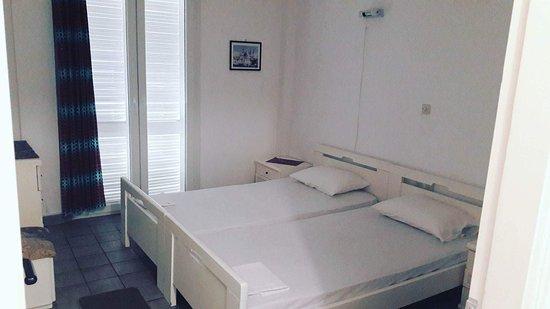 Paramonas, Greece: received_10211162795838668_large.jpg