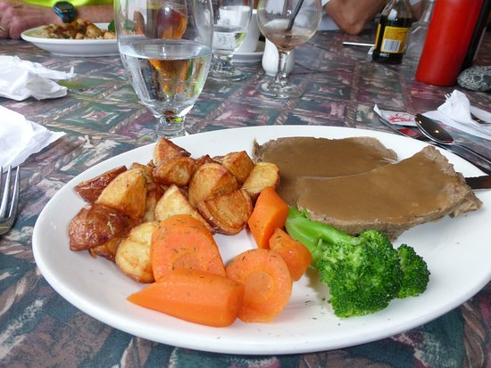 Trout River, Kanada: grey meat hiding under pasty gravy