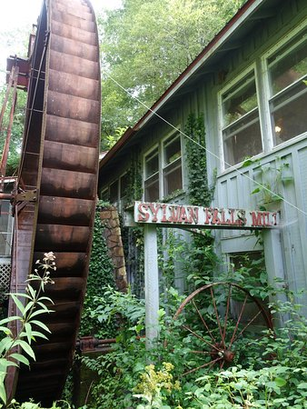 Historic Sylvan Falls Mill Bed and Breakfast Picture