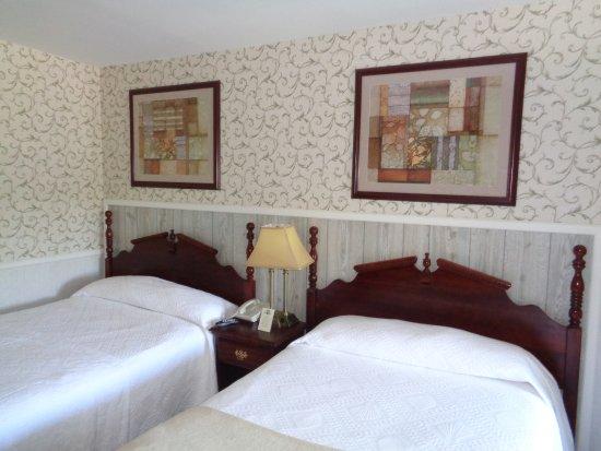 Cedar Crest Inn Photo