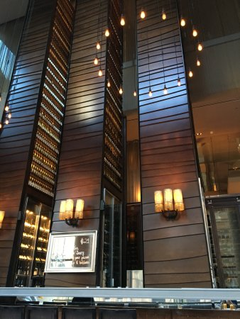 Glass Brasserie: Beautiful decor
