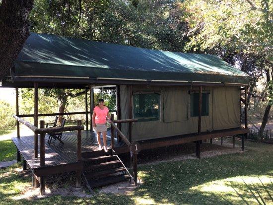 Shakawe, Botswana: Degelijke tenten met flink warm stromend water en elektricteit!