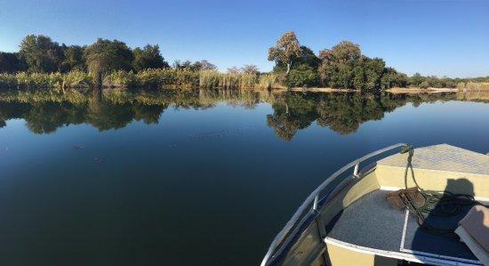 Shakawe, Botswana: Zalige Boottochten op de rivier met warm deken voor 's morgens!
