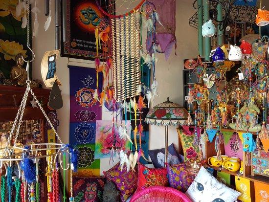 Nimbin Markets: wondering around Nimbin
