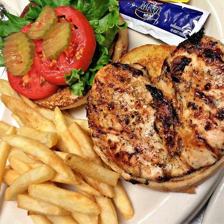 Childersburg, AL: Grilled Chicken Sandwich