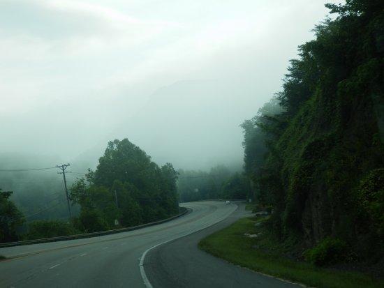 Pineville, KY: Mist over Pine Mountain