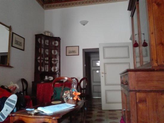 Salotto/Sala da pranzo - Foto di Residenze d\'Epoca Palazzo Coli ...