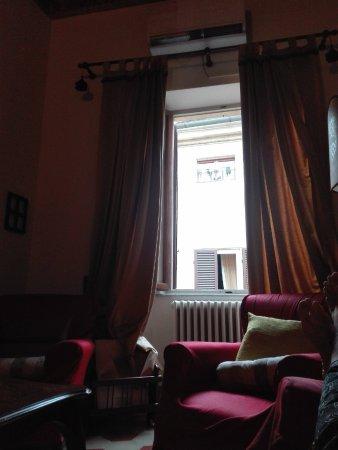 Salotto/Sala da pranzo, vista finestra - Picture of Residenze d ...