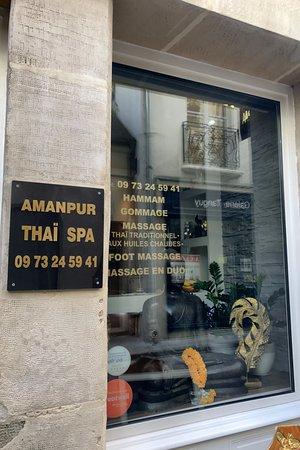 AMANPUR THAI SPA _ OUTSIDE & AMANPUR THAI SPA _ THE DOOR - Picture of Amanpur Thai Spa Paris ...