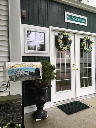 Seekonk, MA: warmest of greetings at the door