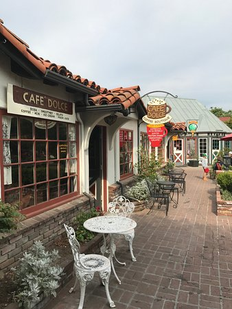 Cafe Dolce: Outside area