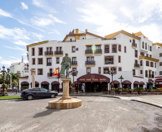 Park Plaza Suites  Marbella