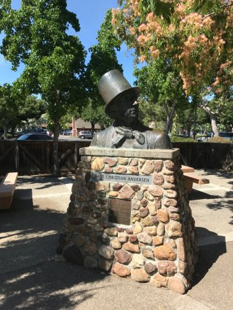Solvang, CA: Brass bust of Hans