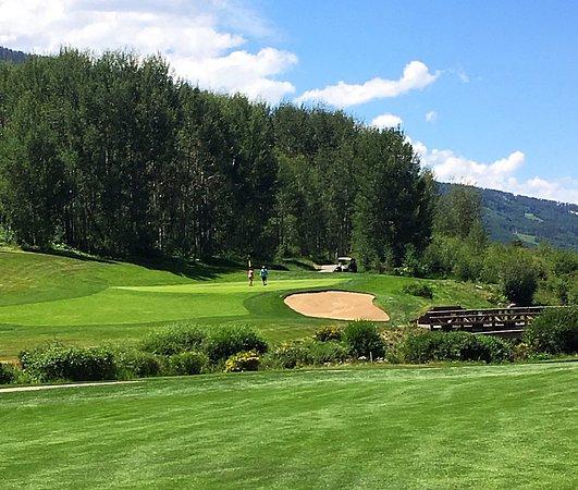 Vail Golf Club: #14 approach shot
