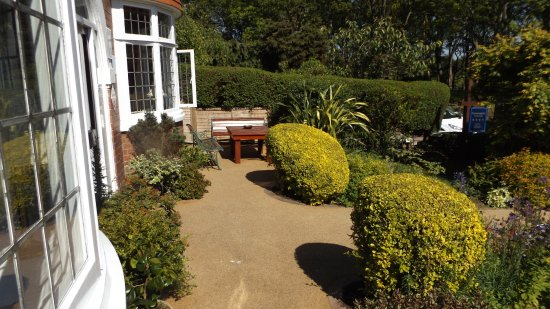 Sunningdale Guest House Photo