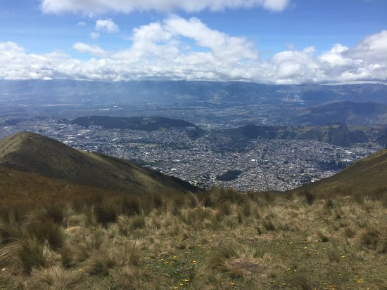 Teleferico Quito: Quito from 13,500 feet!