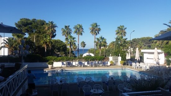 Hotel Rocamarina: The view from the pool