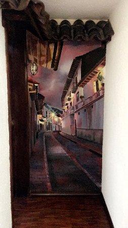 Sol de Quito Hotel: Lovely artwork everywhere