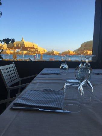 Mumm food & drink by il Vistamare (ex Petit Cafe)