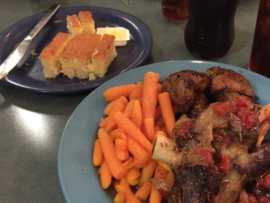 Smith's Parish, Bermuda: Lamb shank with potatoes and carrots - meat and carrots were good, potatoes not so much.