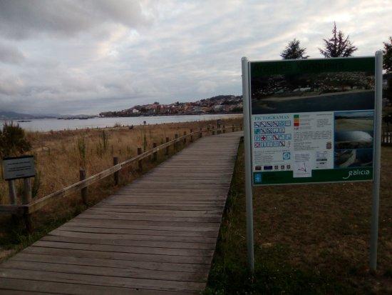 Moana, Spanien: Vista de la Playa y el sendero
