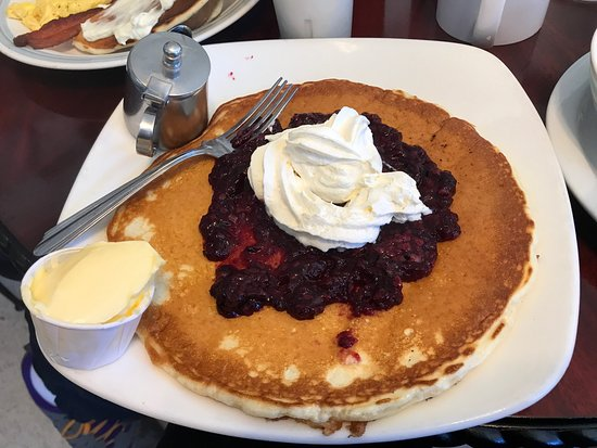 Kathleen and Nina's Pie and Specialty Restaurant: photo2.jpg