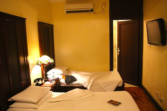 Protea Hotel by Marriott Dar es Salaam Courtyard: Twin room, a little tight