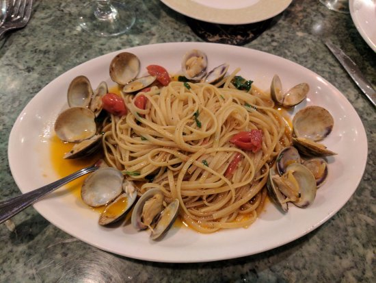 Nando Ristorante: Linguine with clams
