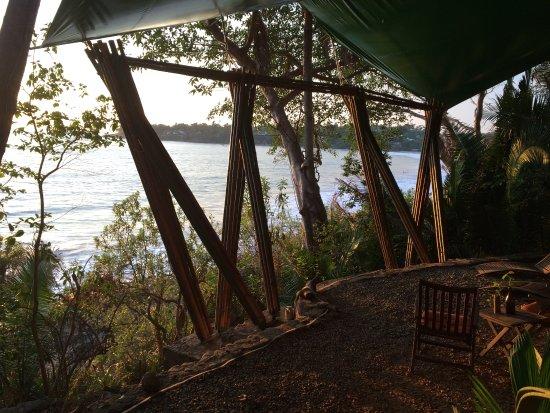 Majahua Hotel Selva: Vista al mar del Restaurante Bar y area de estar