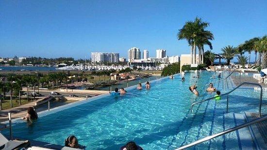Picture of sheraton puerto rico hotel for Piscinas san juan pamplona