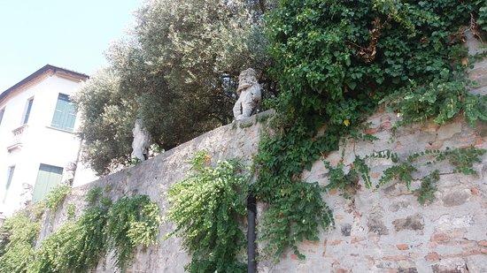Monselice, Italien: La Villa coi 4 nani