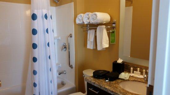 Wareham, MA: Room 415 Bathroom