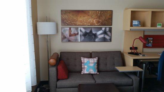 Wareham, MA: Room 415 Sitting area